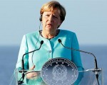 'Can't beat migrant smugglers without Turkey,' says Merkel