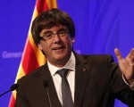Catalan leader eludes Spanish PM's independence demand