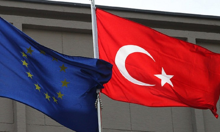 Turkish officials pass all 72 benchmarks requested by EU on granting visa-free travel