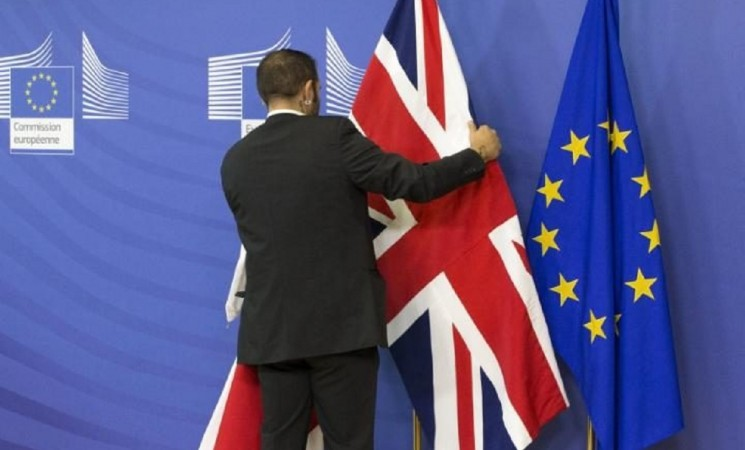 Fear and gloom in UK's Brexit campaign