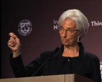 IMF chief warns of risks to global recovery